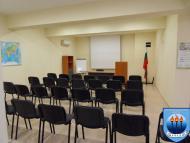изглед конферентна зала отзад - напред